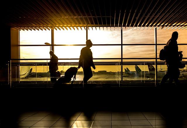 viaje de negocios, Maleta de Viajes, turismo, viajes, Expedia, Kokatu, Oanda, Waze