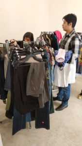 Ropa, ropa de segunda mano, Embajada de Suecia, Alumni México, Clothes Swap, intercambio de ropa, textil, contaminación ambiental, clóset,