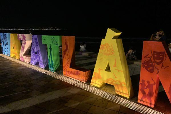 Turismo, Mazatlán, Sinaloa, El Sinaloense, Malecón Mazatlán, Plazuela Machado, Estados, Maleta de Viajes, Teatro Ángela Peralta Mazatlán, Restaurante Panamá