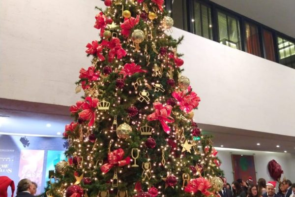 Maleta de Viajes, Presidente InterContinental, CDMX viajes, turismo, Navidad, Árbol de Navidad