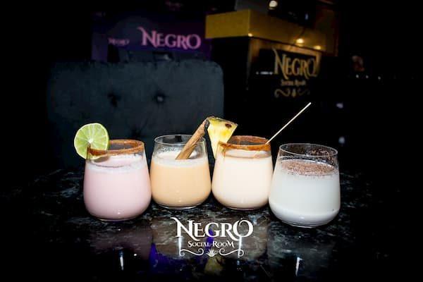 Maleta de viajes, pulque, El Negro Social Room, Avenida La Paz, bares San Angel, tlachiqueros, bebida de los dioses, haciendas pulqueras, pulquerías, Hidalgo