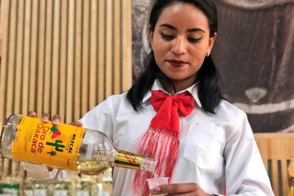 Maleta de Viajes, viajes, turismo, cultura, emprendimiento, Emprendedores Viajeros, Mezcal Oro de Oaxaca