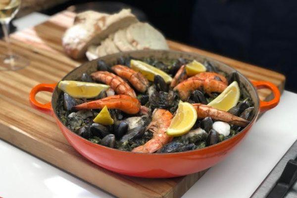 Maleta de Viajes, Baúl Gastronómico, paella negra de mariscos, GE Profile, Aquiles Chávez