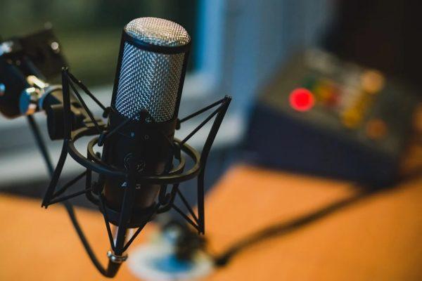 Maleta de Viajes, Orgullo LGBTIQ+, Acast, podcast, Maleta Tech