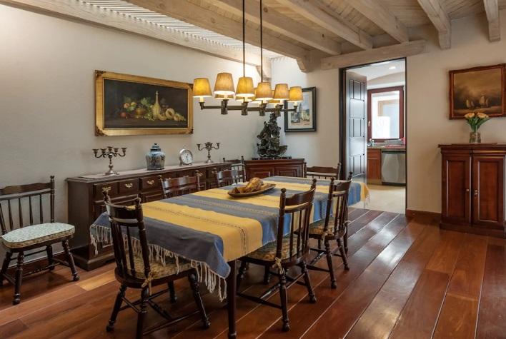 Maleta de Viajes, Baúl Gastronómico, viajes, turismo, aventura, Airbnb